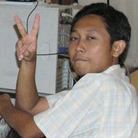Fajar, Peace man! Peace! *halah, slank bener..hihi..*