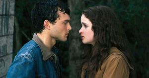 Alice-Englert-and-Alden-Ehrenreich-in-Beautiful-Creatures-Photo